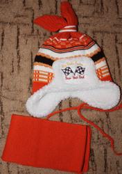 Зимняя шапка и шарф.